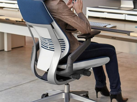 office-chairs-gesture-chair-with-headrest-18_grande
